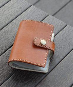 DOZI皮革 中扣式卡套本 可放20張卡